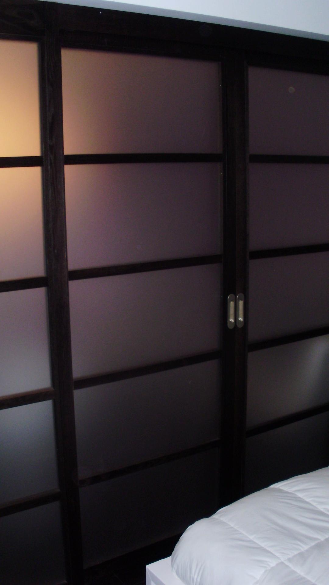 Portes de placard julien ravanne julien ravanne for Contour de porte interieur